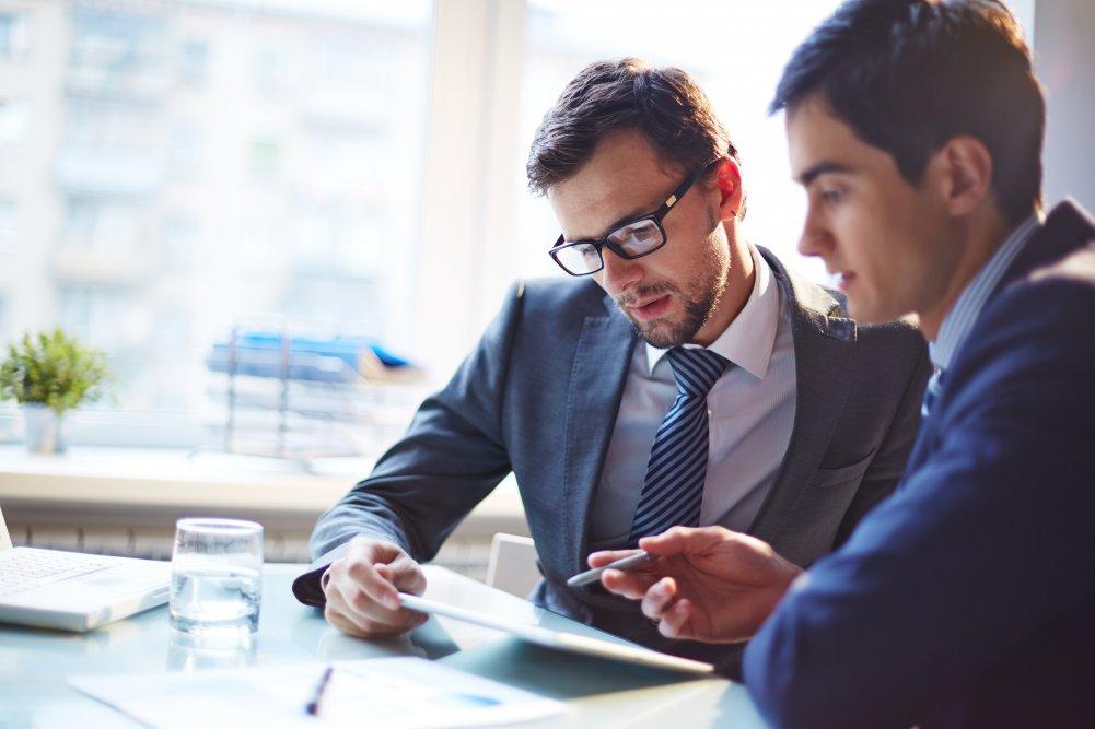 znalec, klient, konzultácia